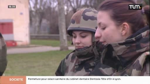 Des étudiants en immersion dans un camp militaire
